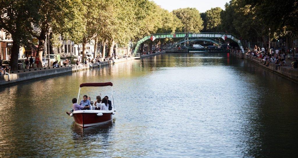Marin-deau-douce-location-de-bateau-sans-permis-Paris