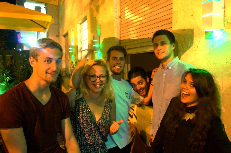 Rencontrer des gens en voyage